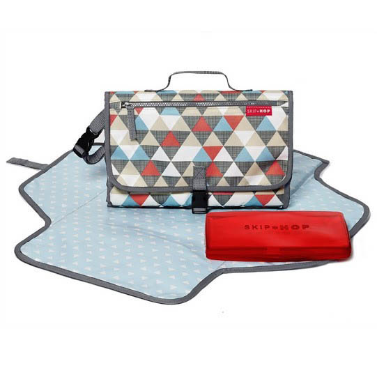 Skip Hop-Portable Nappy Change Kit-Pronto Changing Station {Triangles}